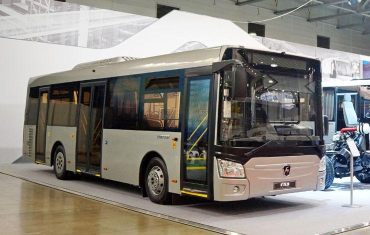 Низкопольный автобус среднего класса Kursor